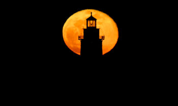 Full Moon Rising – Chicago Harbor Lighthouse